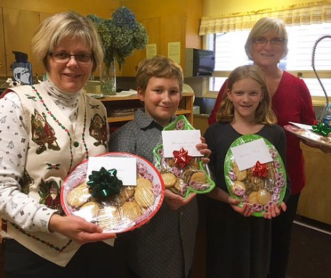 Sunday school kids made cookies for local fireman and police officers.